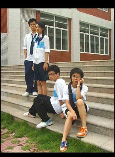 中学生自己设计校服
